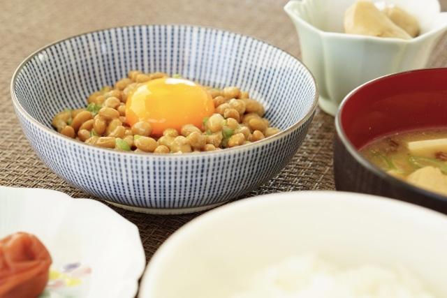 卵が載った納豆