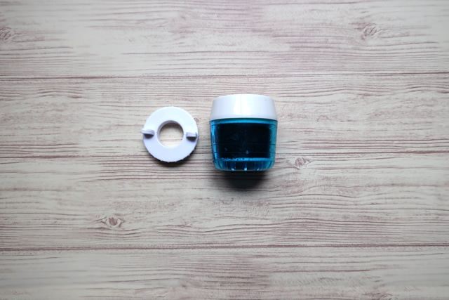 ダイソー浄水器『浄水蛇口』本体と付属品のアダプター