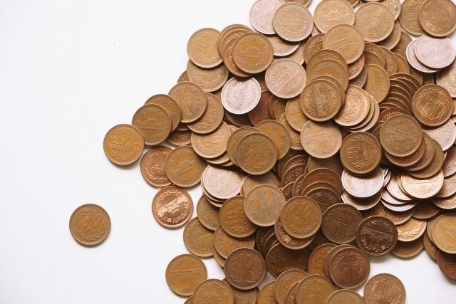 たくさんの10円玉