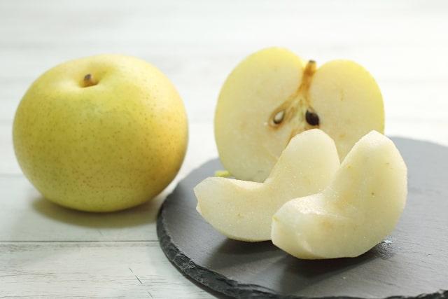 丸の梨と切った梨